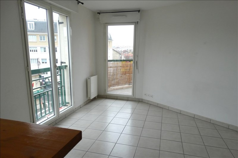 Location appartement Poissy 970€ CC - Photo 2