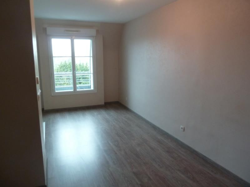 Location appartement Eragny sur oise 863€ CC - Photo 3