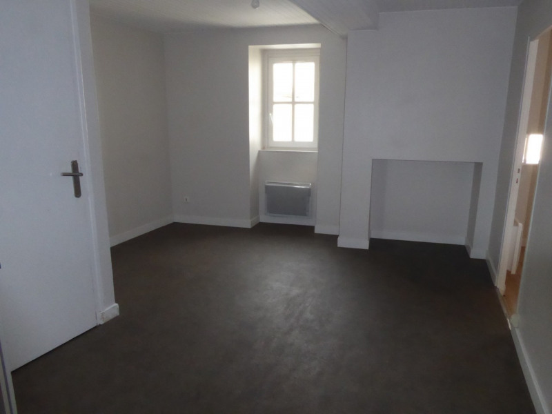Location appartement Aubenas 394€ CC - Photo 2