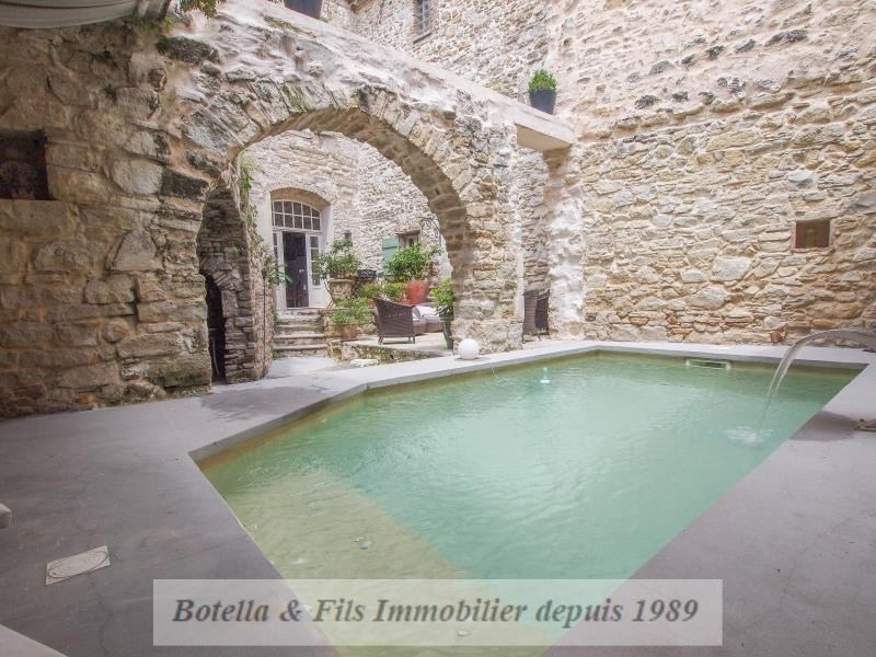 Deluxe sale chateau Uzes 565000€ - Picture 1