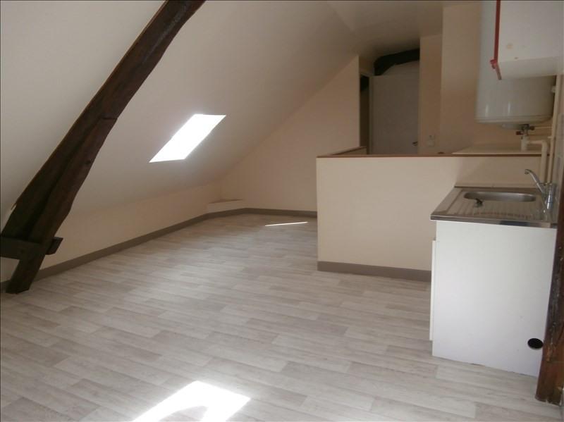 Rental apartment Provins 350€ CC - Picture 1