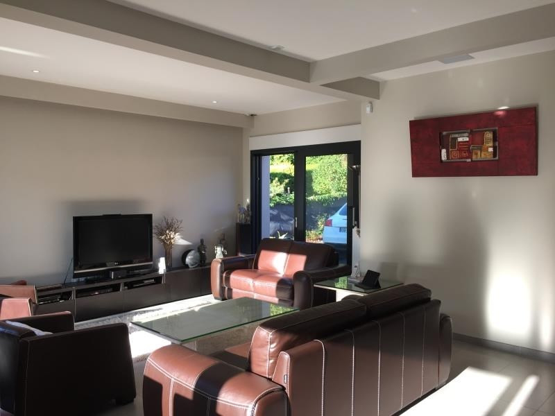Sale house / villa Chambly 499 000€ - Picture 2