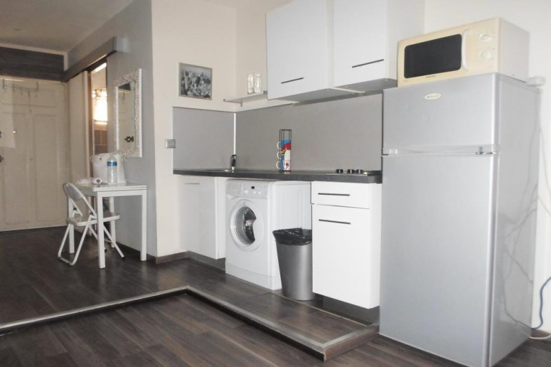 Location vacances appartement Juan-les-pins 600€ - Photo 1