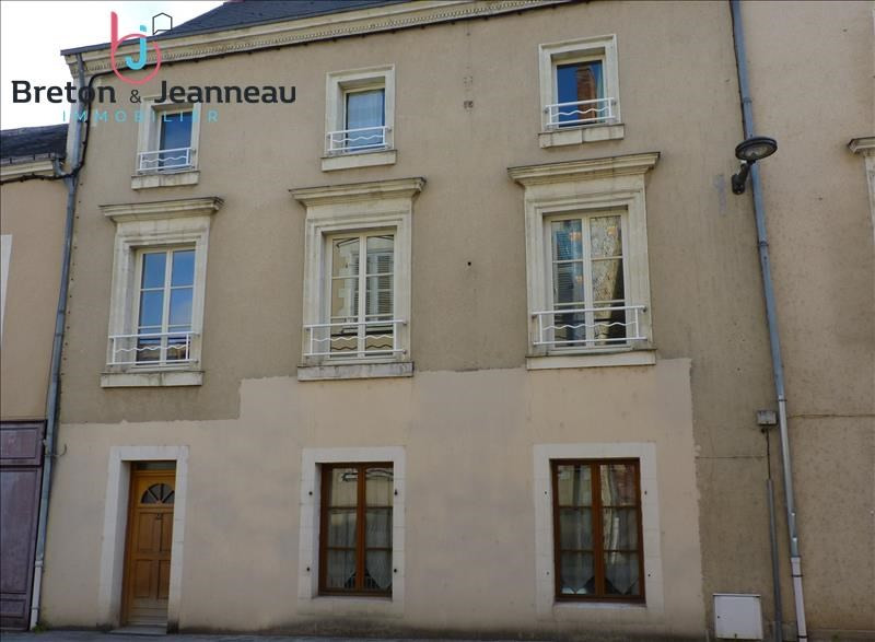 Sale house / villa Craon 156000€ - Picture 1
