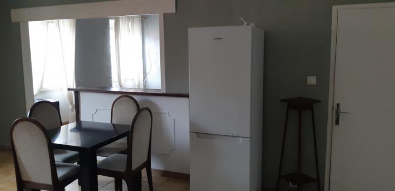 Verhuren  appartement Lambesc 750€ CC - Foto 7