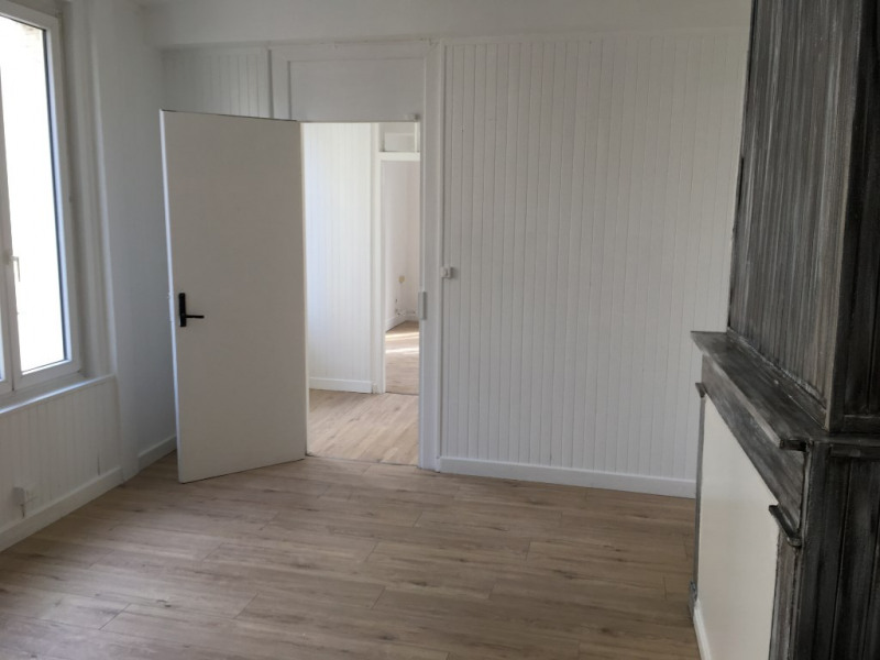 Rental apartment Saint omer 365€ CC - Picture 2