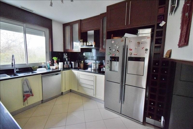 Sale house / villa Artiguelouve 245000€ - Picture 4
