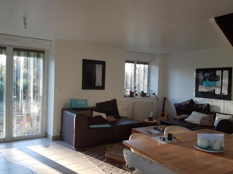 Location maison / villa Parne sur roc 680€ +CH - Photo 2