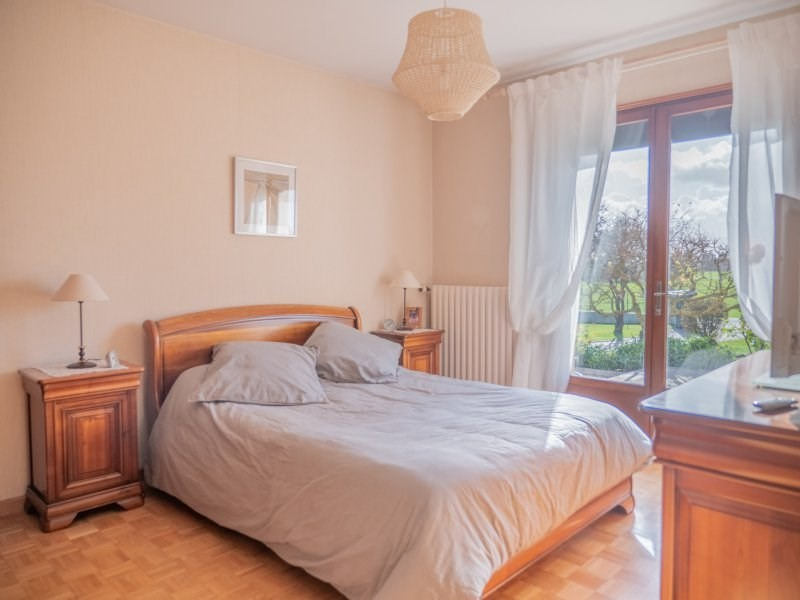 Sale house / villa Breval 360000€ - Picture 9