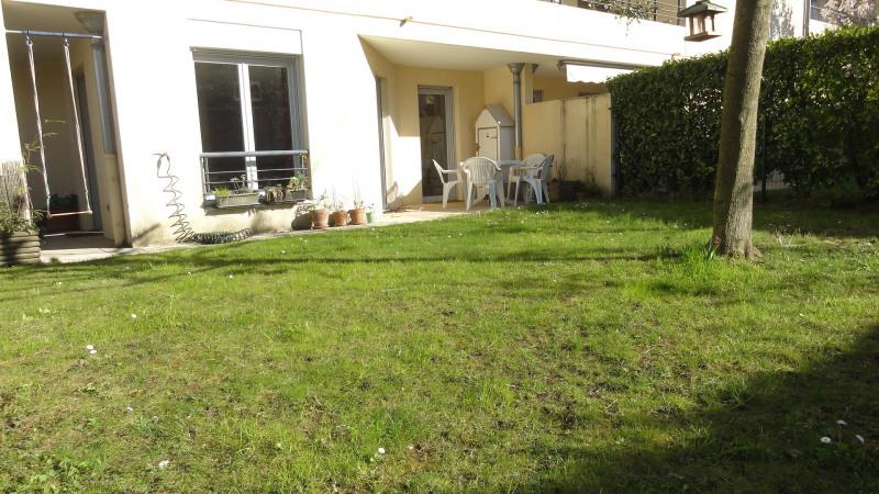 Sale apartment Caluire-et-cuire 379600€ - Picture 2