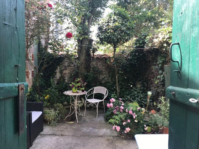 Sale house / villa Thaire 181900€ - Picture 1
