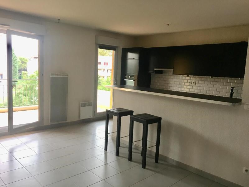 Rental apartment Aix en provence 1150€ CC - Picture 2