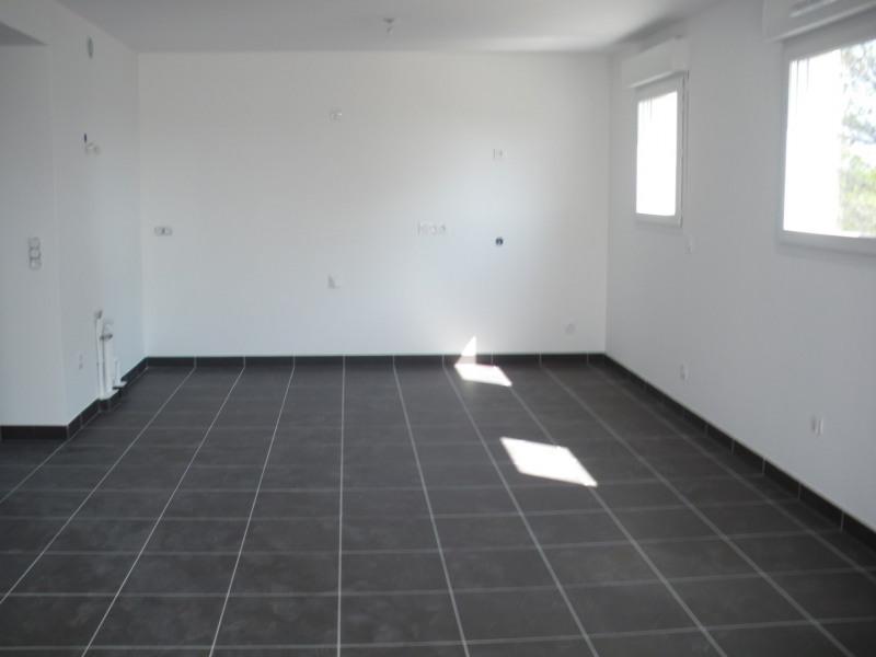 Location appartement Roquebrune-sur-argens 1120€ CC - Photo 4