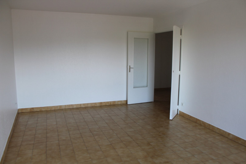 Location appartement Bourgoin jallieu 649€ CC - Photo 3