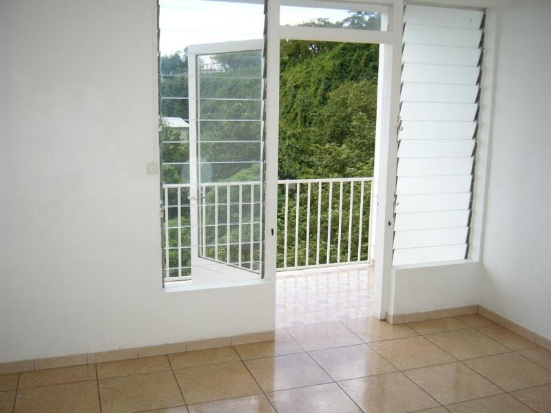 Sale apartment St denis 83 000€ - Picture 3