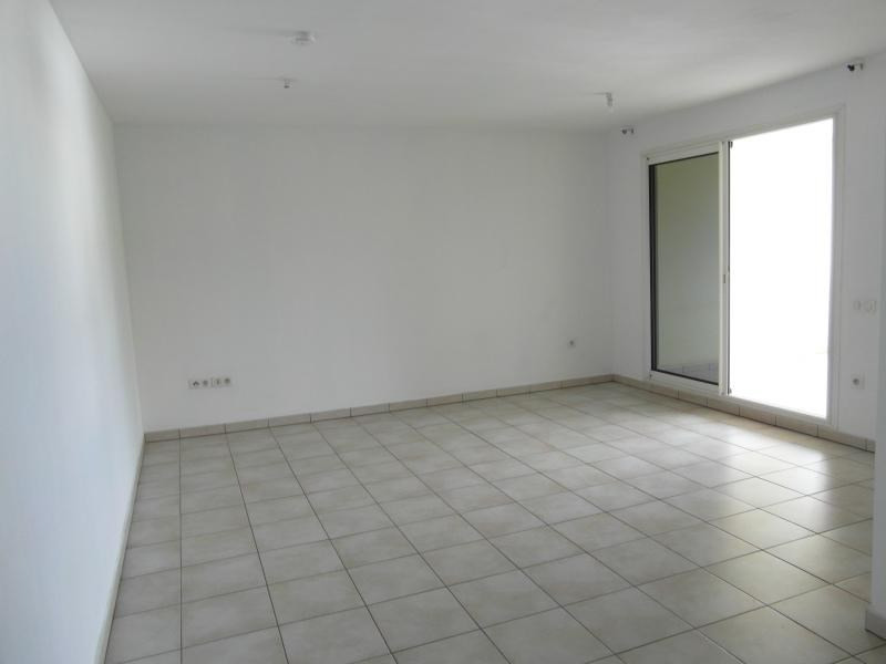 Sale apartment St denis 130 000€ - Picture 1
