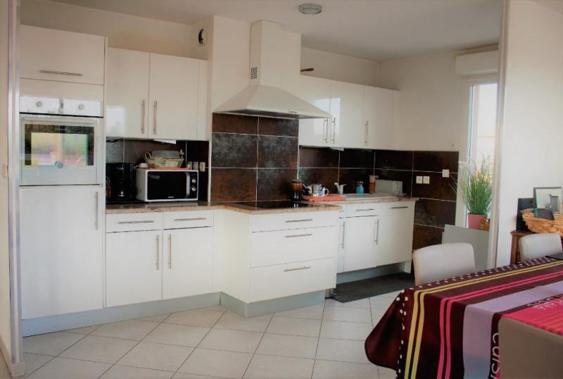 Sale apartment Lambesc 550000€ - Picture 3