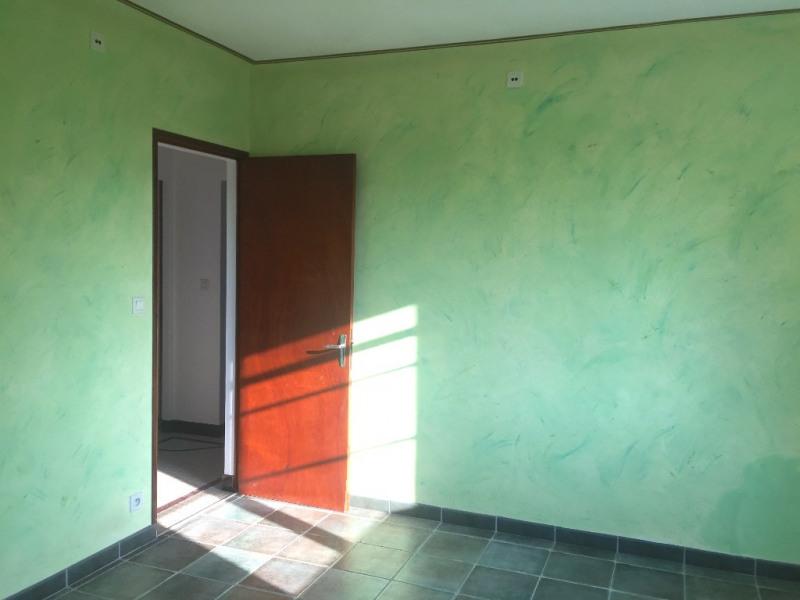 Sale house / villa Le perrier 210000€ - Picture 6