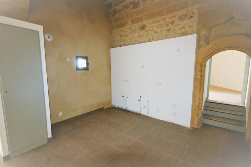 Rental apartment Meyrargues 715€ CC - Picture 5