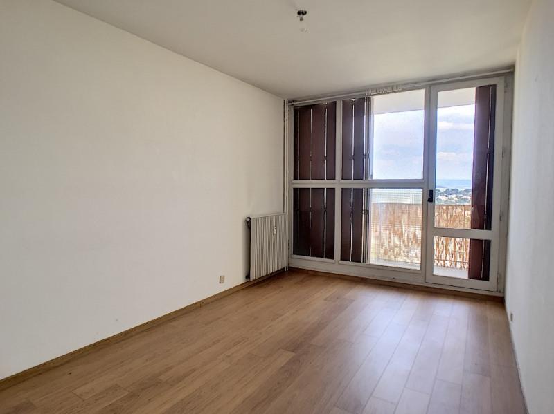 Rental apartment Villeneuve les avignon 653€ CC - Picture 2