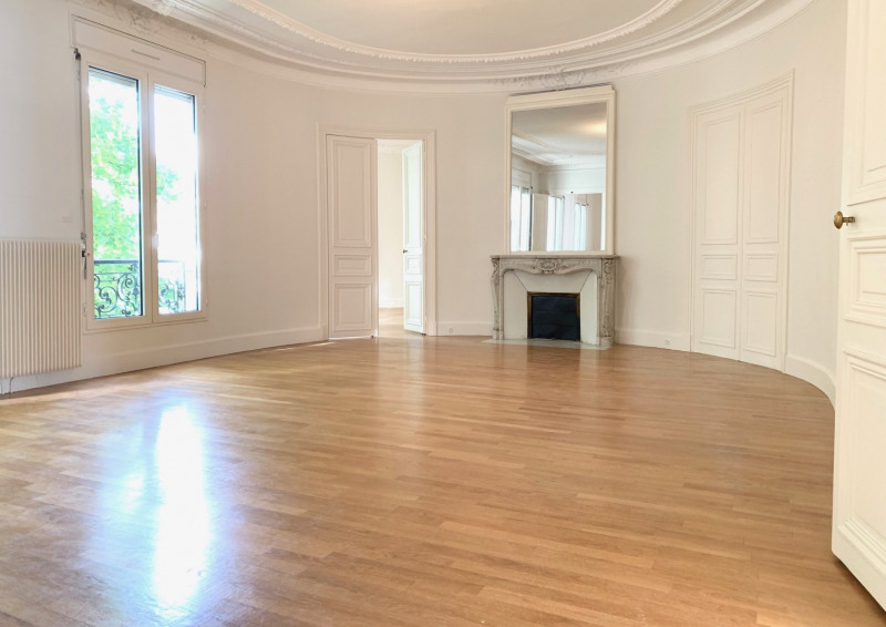 Rental apartment Paris 8ème 7 540€ CC - Picture 2