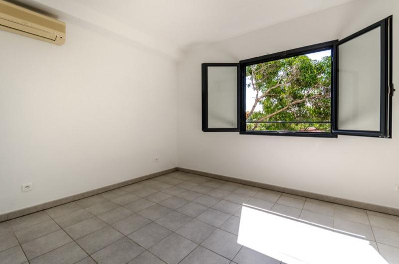 Sale apartment Saint pierre 138000€ - Picture 5