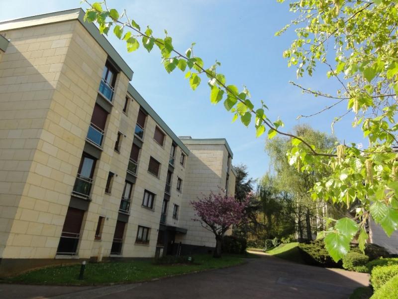 Sale apartment Louveciennes 355000€ - Picture 1