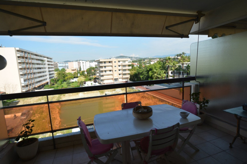 Sale apartment Juan-les-pins 264 000€ - Picture 3