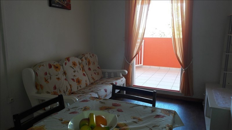 Rental apartment Le moule 750€ CC - Picture 2