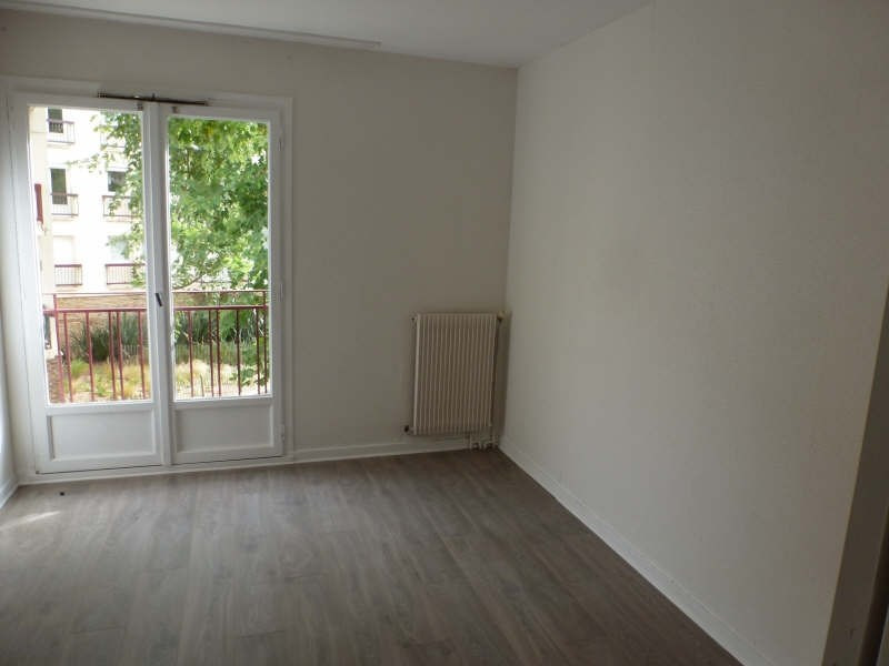 Location appartement Maurepas 855€ CC - Photo 2