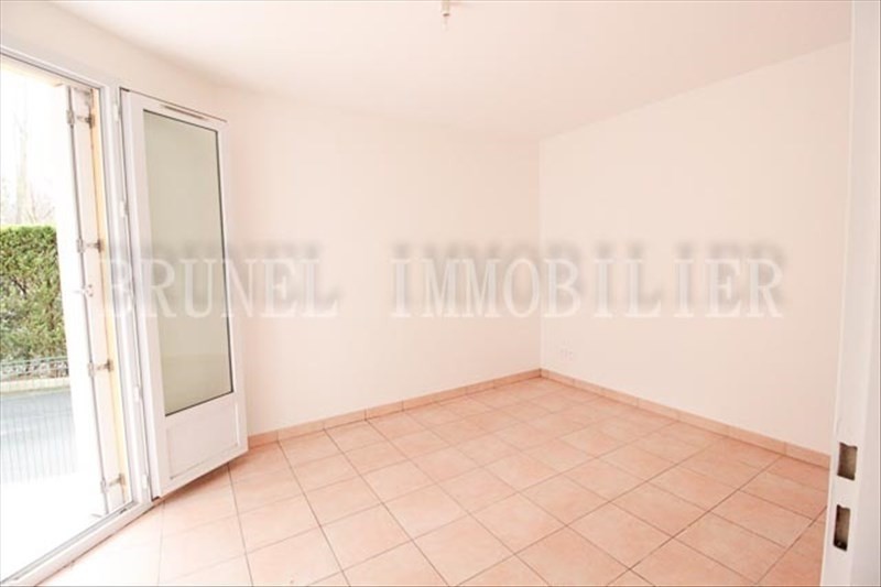 Location appartement Chennevieres sur marne 784€ CC - Photo 4