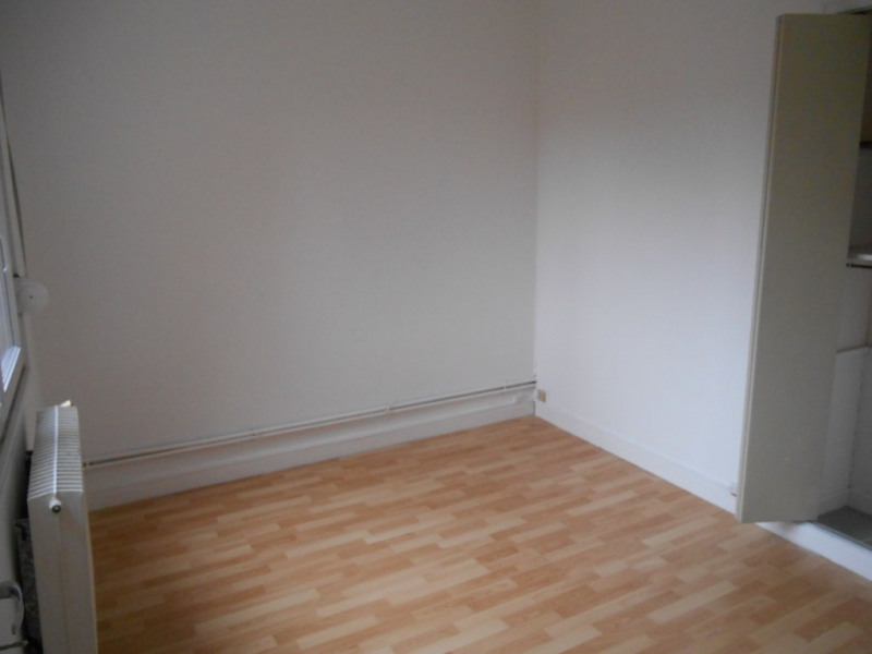 Rental apartment Saint quentin 425€ CC - Picture 5