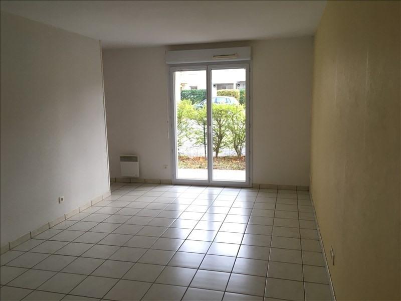 Rental apartment Vendome 432€ CC - Picture 2