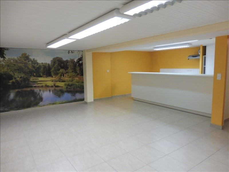 Location local commercial La roche sur yon 2 750€ HT/HC - Photo 5