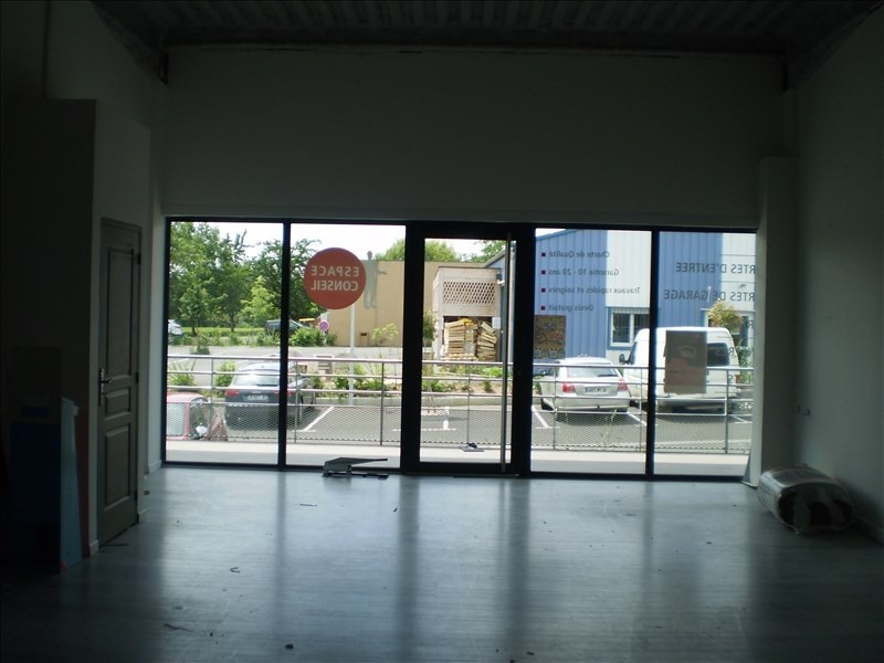 Location local commercial Auch 82€ HT/HC - Photo 3