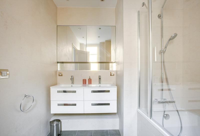 Location appartement Paris 19ème 2600€ CC - Photo 7