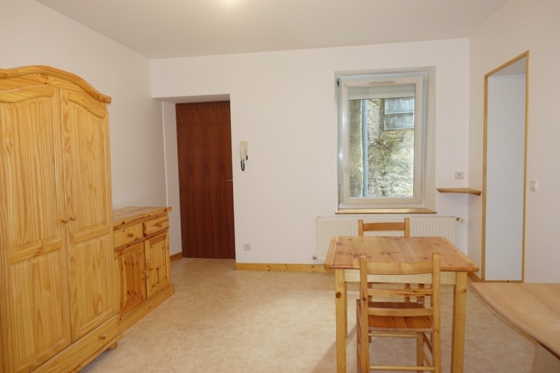 Rental apartment Morez 380€ CC - Picture 2