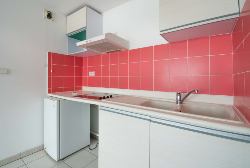 Rental apartment Saint denis 456€ CC - Picture 3