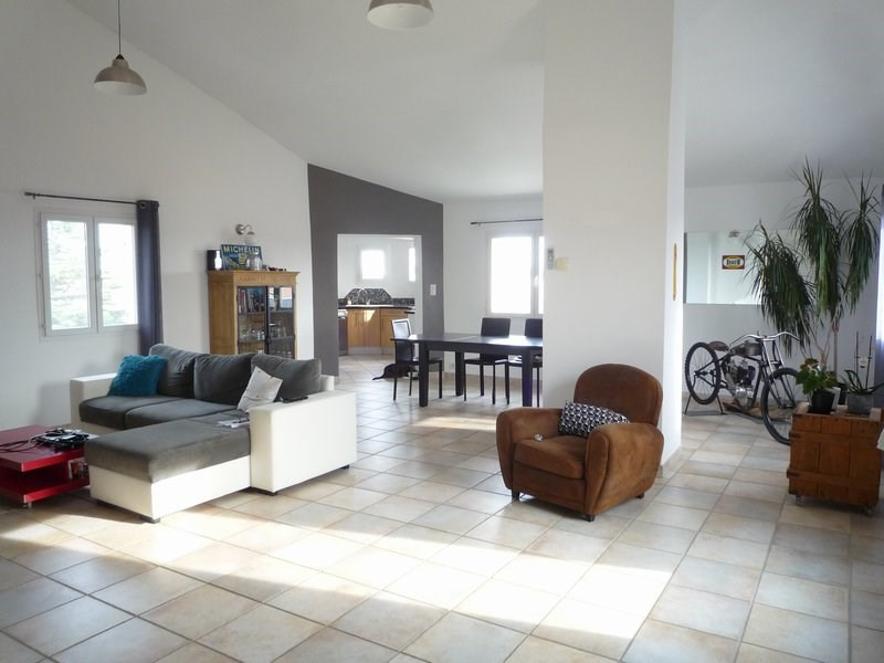 Sale apartment Serignan du comtat 189 000€ - Picture 1