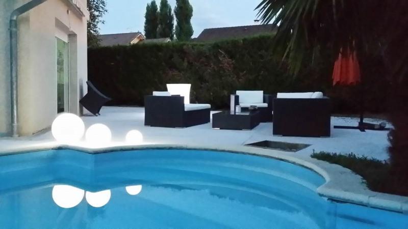 Deluxe sale house / villa Gaillard 625000€ - Picture 1