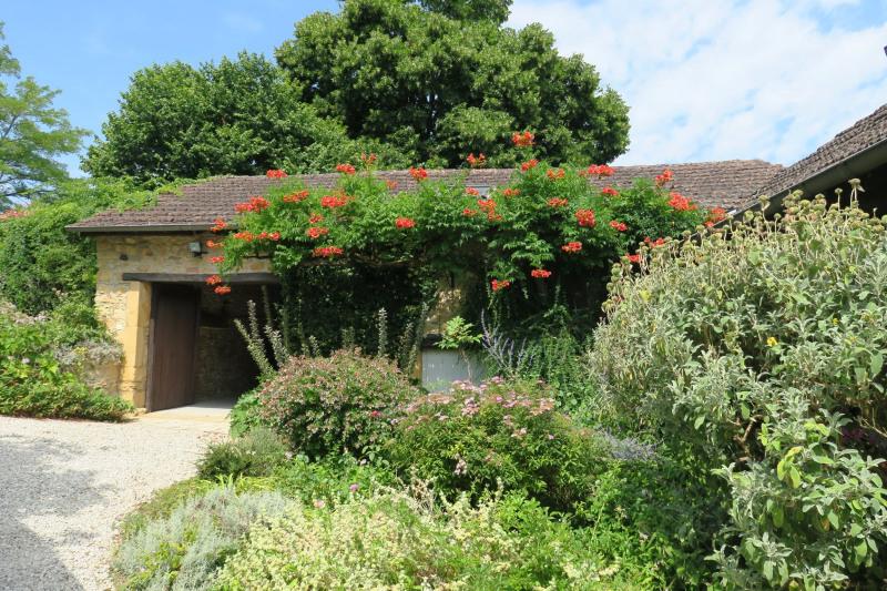 Sale house / villa Sainte-foy-de-belves 302100€ - Picture 2