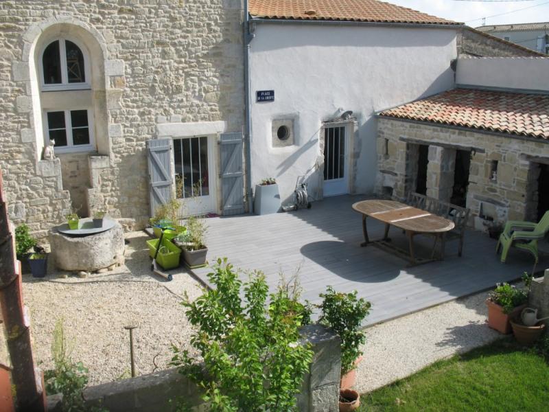 Vente maison / villa Yves 378000€ - Photo 1