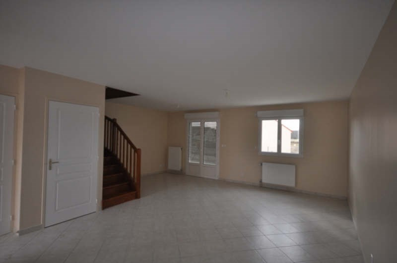 Location maison / villa Villefargeau 731€ CC - Photo 2