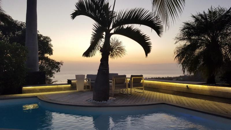 Deluxe sale house / villa Saint gilles les bains 798000€ - Picture 1