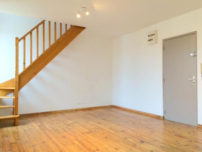 Location appartement Les milles 750€ CC - Photo 2