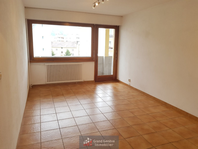 Investment property apartment Gaillard 212 000€ - Picture 1