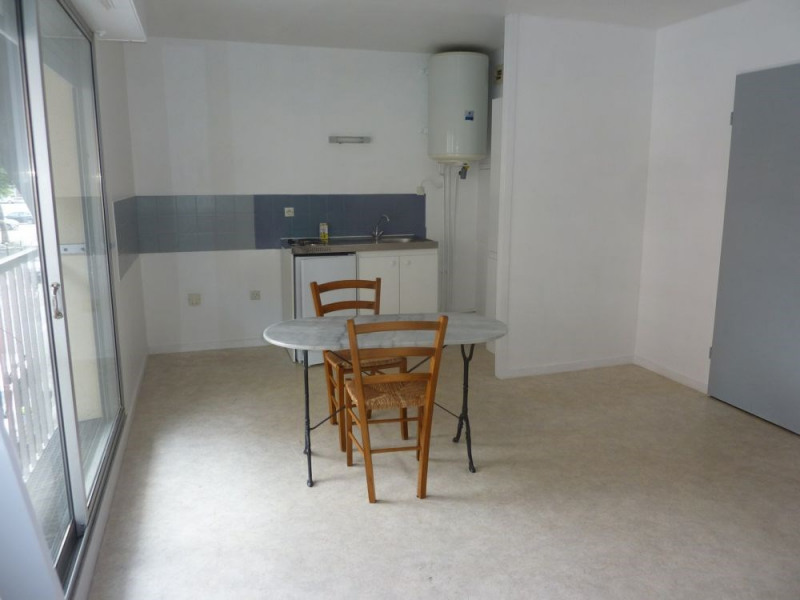 Sale apartment Lisieux 63 000€ - Picture 2