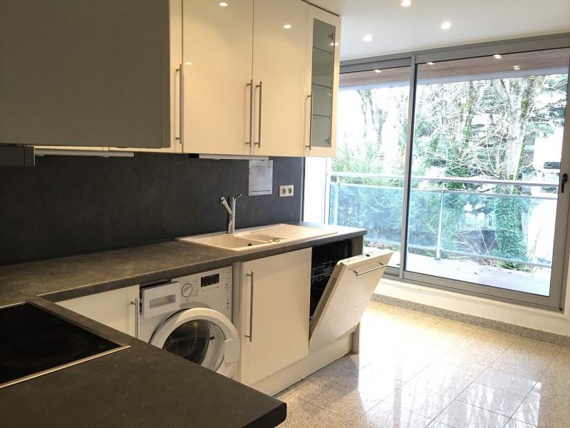 Rental apartment La celle-saint-cloud 2190€ CC - Picture 1