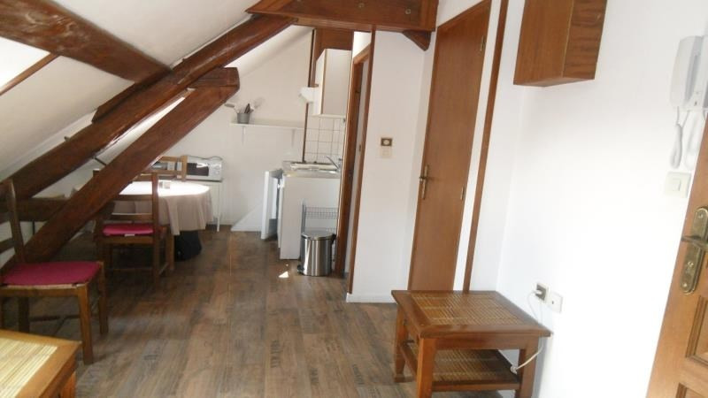 Rental apartment Troyes 295€ CC - Picture 3