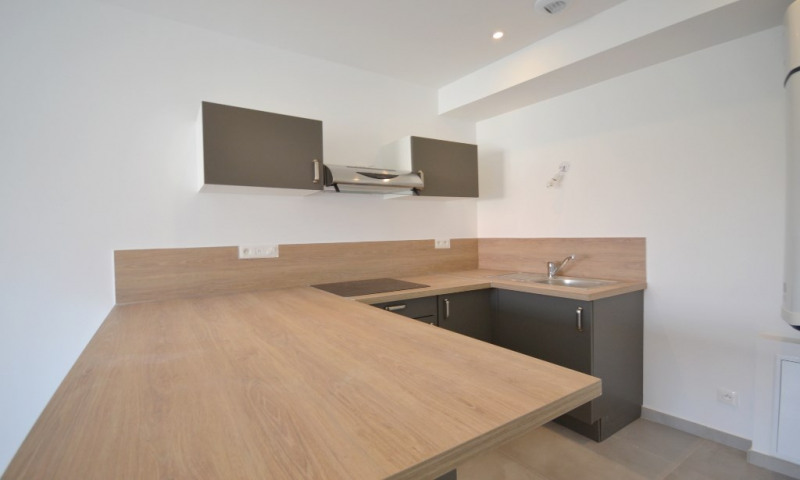 Location appartement Les clayes sous bois 800€ CC - Photo 2